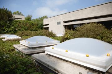 Kopułkowe świetliki dachowe w ofercie Lumiterm - Wrocław